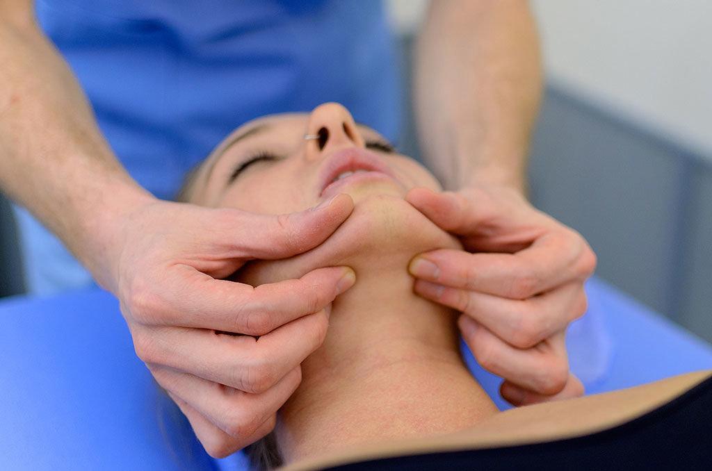 Come liberarsi da dolore nei colli e una nuca